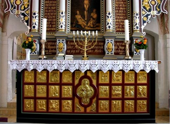 The golden altar in Tamdrup Church