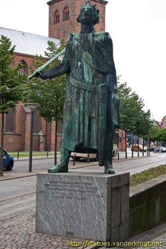 Statue of Canute the Holy