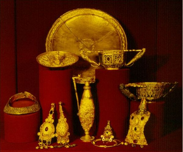 The Pietroasele treasure