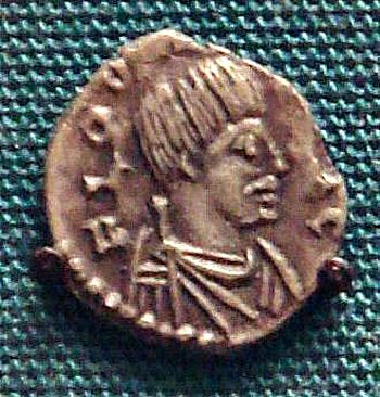 Coin with a portrait of Odovacar issued in Ravenna in 477 AD