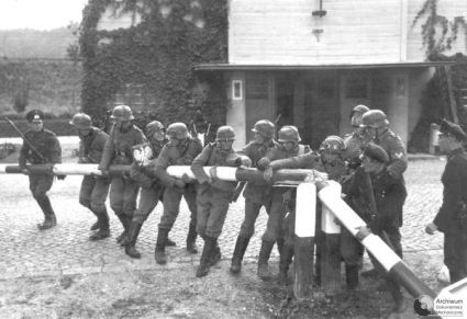 German troops break a Polish border post on 1. of September  1939