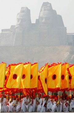 Representatives from all over China, Taiwan and chinese societies and  Chinatowns from all over the World have met in Shaanxi to honour the ancestor of the Chinese race, The Yellow Emperor