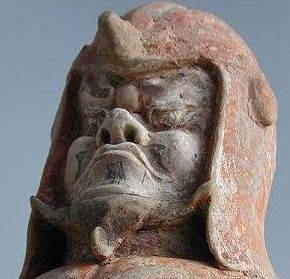 Xianbei warrior en face - most likely a tomb guardian