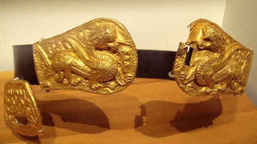 Xianbei belt buckle of gold